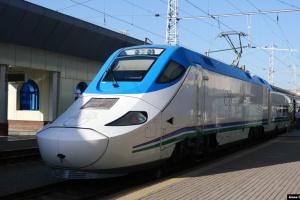 Узбекистан с понедельника закрывает аэропорты и ЖД вокзалы