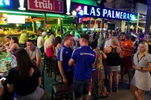 На Мальорке немецкие туристы, несмотря на карантин, устроили массовую вечеринку