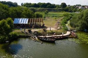 В Ривном проходит фестиваль древних лодок