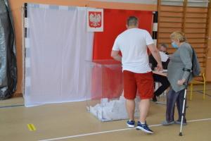 В Польше уже проголосовали более половины избирателей