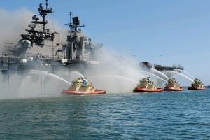 Пожар на американском десантном корабле: число пострадавших возросло до 21