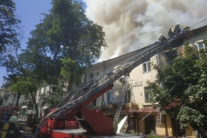 В Одесі через пожежу відселення потребують 38 мешканців триповерхівки