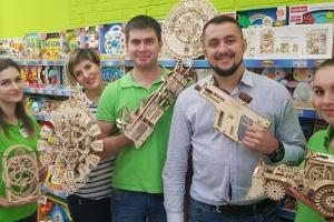 Українці запустили в США стартап DoEcoLiving – екопроєкт та магазин іграшок