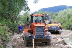 На Прикарпатье восстановили разрушенный наводнением газопровод