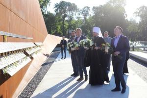 Епифаний во Львове посетил мемориал Героев Небесной Сотни