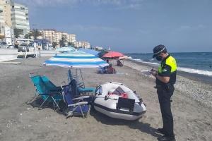 """В Іспанії штрафують туристів за """"резервування"""" місць на пляжах"""
