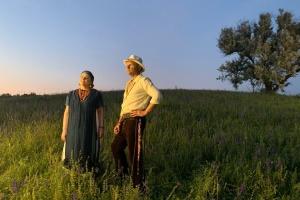 Художниця ZINAIDA створила сценографію для кліпу Олега Скрипки та Ніни Матвієнко