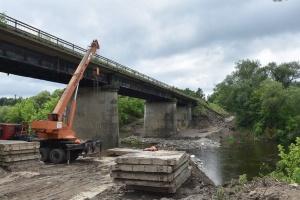 На Житомирщине начинают ремонт моста через реку Случь
