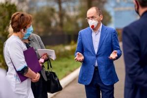 """Луцьк і Тернопіль з 8 серпня виходять із """"червоної"""" зони - Степанов"""