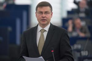 Второй транш ЕС для Украины является сигналом поддержки реформ - Домбровскис