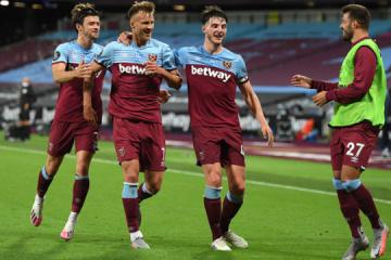 Yarmolenko helps West Ham beat Chelsea