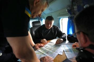 Avakov, Danilov coordinate fire-fighting operation in Luhansk region