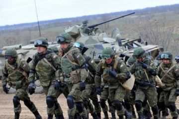 About 32,500 Russian soldiers currently stationed in occupied Crimea