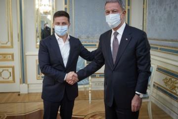 ゼレンシキー大統領、アカル・トルコ国防相と会談
