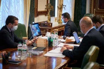 ゼレンシキー大統領、防疫措置を一度に長期間の延長はすべきでないと主張