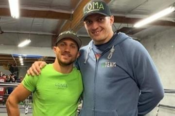 Usyk y Lomachenko en el Top 5 de los boxeadores del mundo según Boxing News