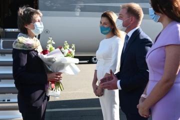 La presidente de Suiza llega a Ucrania