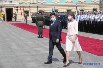 スイス大統領、ウクライナ初訪問 1億フランの人道支援発表