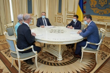 Zelensky receives credentials from ambassadors of five countries