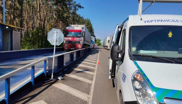 На в'їздах у Київ з квітня зважили понад 24 тисячі транспортних засобів
