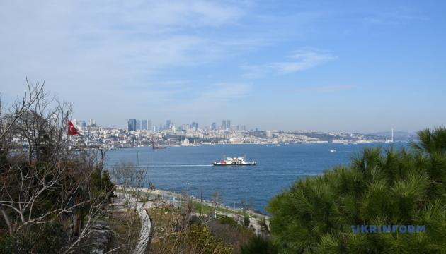 Одним рейсом в Европу и Азию: Стамбул ждет украинских туристов