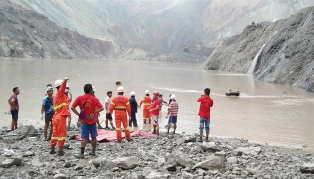 У М'янмі через зсув на нефритовій шахті загинули 113 гірників