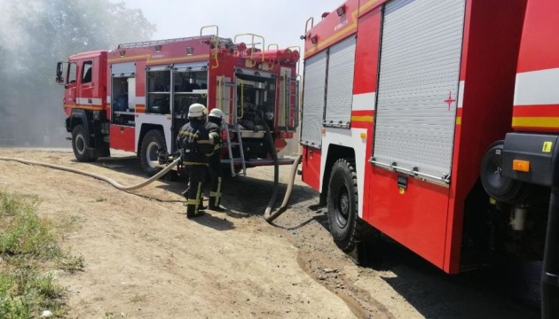 В Одессе горело предприятие по переработке бумаги