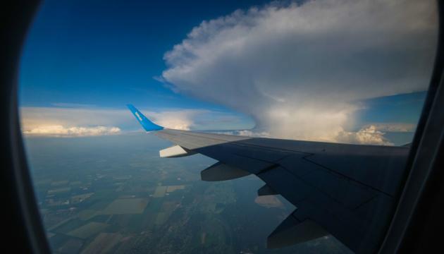 Медицинский самолет, на борту которого может быть Кернес, вылетел из аэропорта Харькова - СМИ