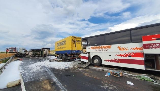Автобусная авария в Польше: травмированы 16 украинцев, один человек - в критическом состоянии