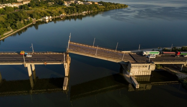 У Миколаєві сам собою піднявся розвідний міст і зупинив транспорт