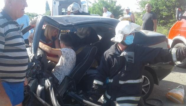 """Возле Кирилловки """"лоб в лоб"""" столкнулись авто - пострадали четверо детей"""
