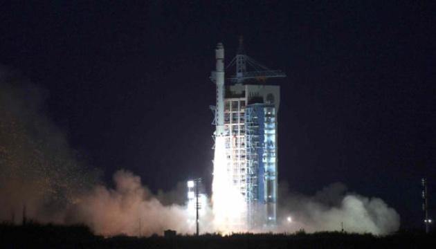 Китай запустил спутник для изучения космической среды
