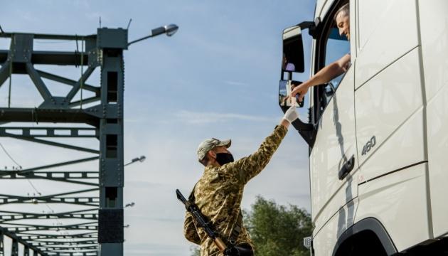 На кордоні з Угорщиною можливі черги через посилений COVID-контроль