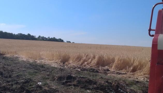 На Харківщині від вогню врятували ячмінне поле та хвойний ліс