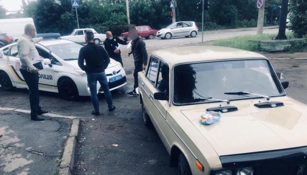 У Чернівцях затримали нападників, які побили та викрали чоловіка