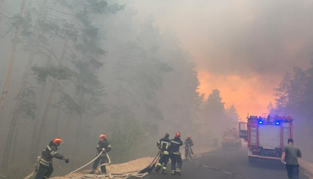 На Луганщині внаслідок обстрілу знову загорівся ліс