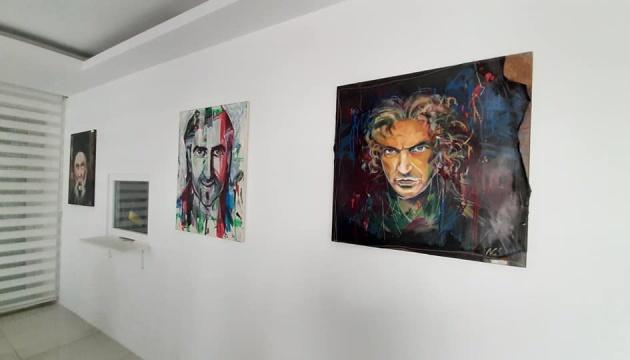 У консульстві в Анталії проходить виставка картин Миколи Струса