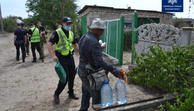 Постраждалим від пожежі на Луганщині привозять продукти і воду