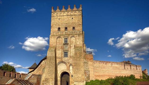 Луцький замок і 200 гривень: Зеленський на Волині зробив