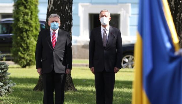 Україна та Туреччина почнуть реалізацію угоди про військово-фінансове співробітництво