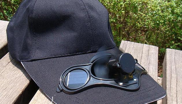 На Херсонщині тестують локальний сувенір – кепку з вентилятором