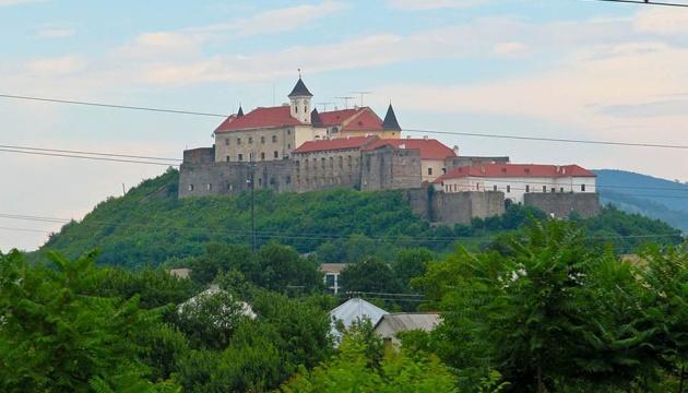 Ужгородський замок і філармонія можуть потрапити до