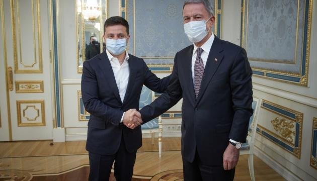 Зеленський подякував Туреччині за підтримку під час пандемії та повені