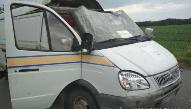 Пограбування автівки Укрпошти: на Полтавщині затримали трьох підозрюваних