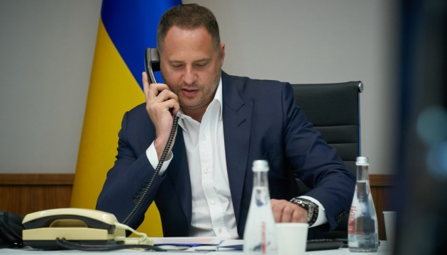 Yermak discute con su homólogo bielorruso la profundización de la cooperación bilateral