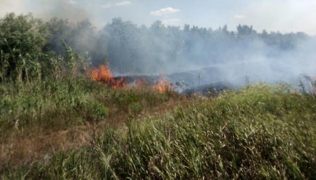 Сухая трава, мусор, кустарники: на Николаевщине за сутки потушили 15 пожаров
