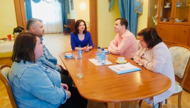 Посол України зустрілася з активістами Асоціації українських організацій Естонії