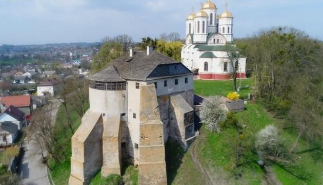 Острожский замок могут реставрировать в рамках