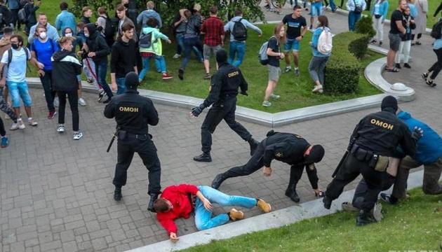 Президент Литви закликав Єврораду звернути увагу на порушення прав людини в Білорусі