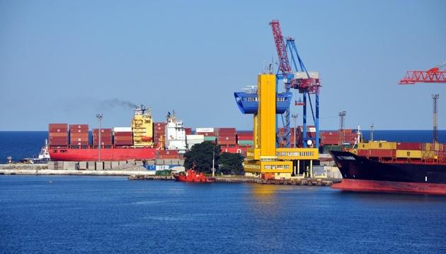 Українські морпорти за І півріччя майже на 10% збільшили перевалку вантажів
